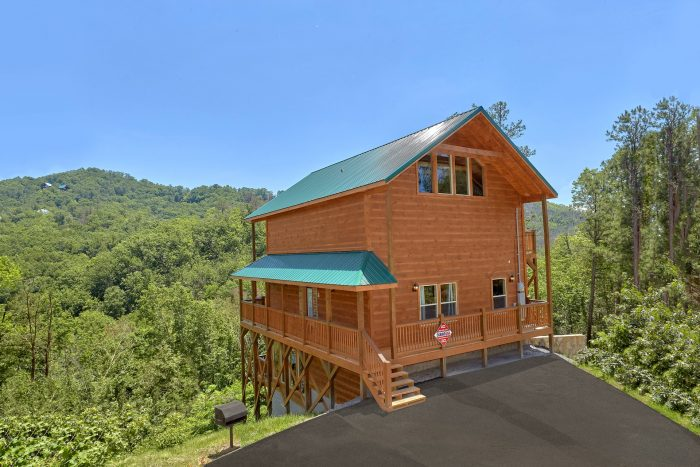 2 Bedroom 3 Bath 3 Story Cabin Sleeps 6 - Scenic Mountain Pool