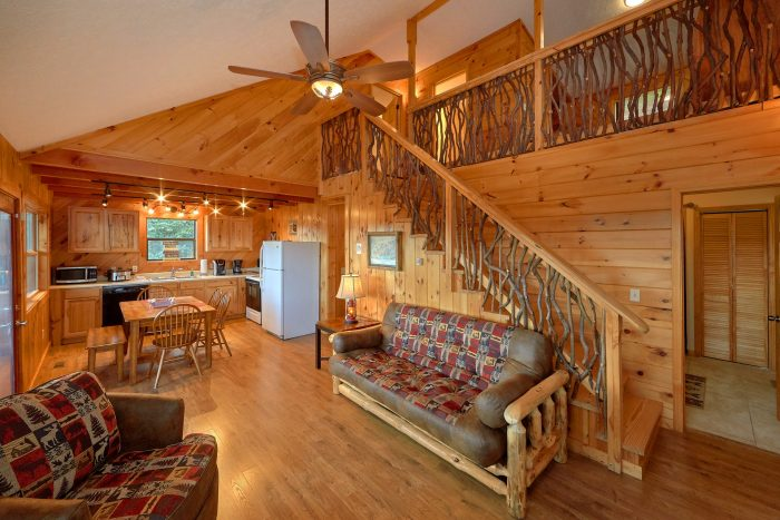 3 Bedroom cabin Living room with Fireplace - Sea of Clouds