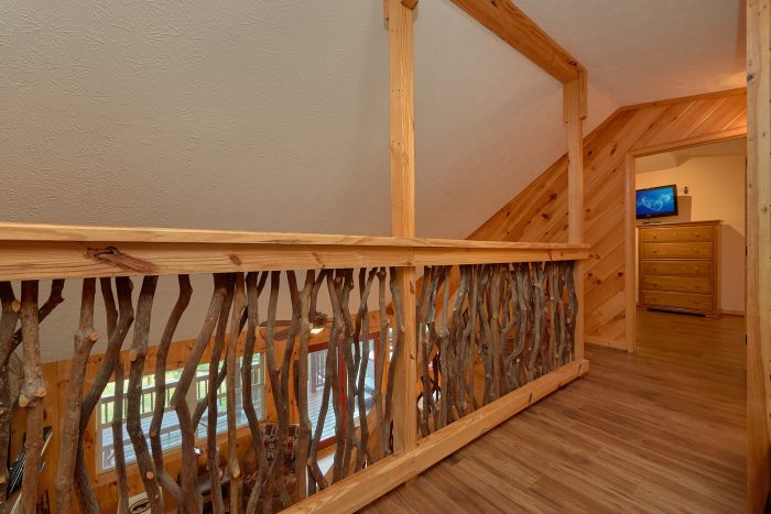 Private 2 story 3 bedroom cabin with loft area - Sea of Clouds