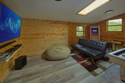 3 bedroom cabin with Loft Game Room - Sea of Clouds