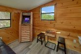 3 Bedroom cabin with Arcade Game in loft