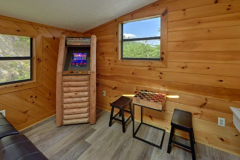 3 Bedroom cabin with Arcade Game in loft - Sea of Clouds
