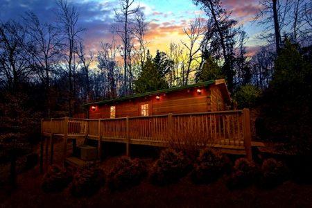 Valley View: 1 Bedroom Sevierville Cabin Rental