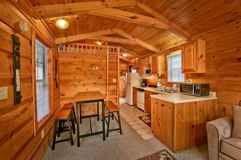 Cabin with Kitchen and Dining table - Secret Rendezvous