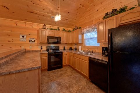 Beautiful 2 Bedroom Pigeon Forge Cabin Sleeps 8 - Serenity