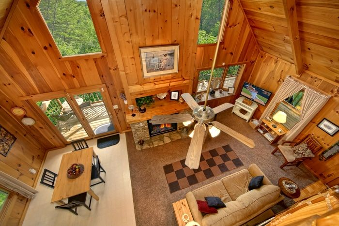 1 Bedroom Cabin near Dollywood with 2 Levels - Serenity Ridge