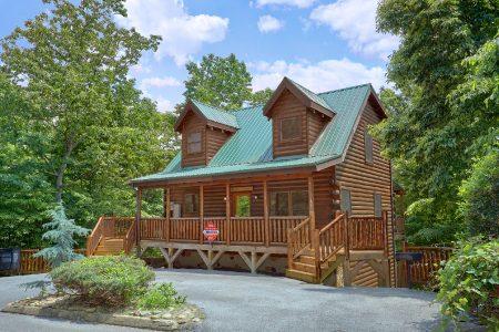 Gatlinburg Bear Cave: 3 Bedroom Gatlinburg Cabin Rental