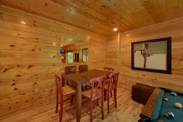 3 Bedroom Cabin with a Game Room - Settlers Ridge Cabin