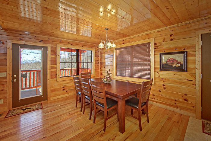 Cabin with Plenty of Dining Seating - Shakonohey