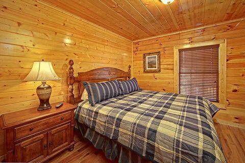 Bedroom with King Bed - Shakonohey