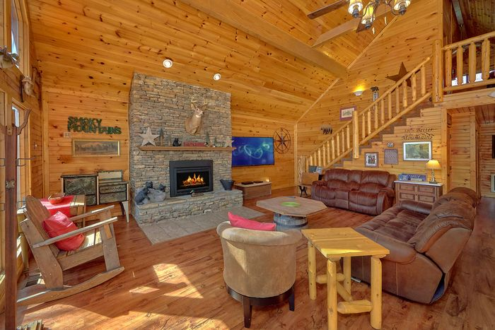 3 Bedroom Cabin with Large Open Space - Simply Incredible