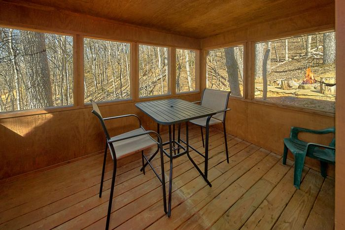 3 Bedroom Cabin with Views Sleeps 12 - Simply Incredible