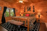 2 Bedroom Cabin with King Bed and Jacuzzi Tub