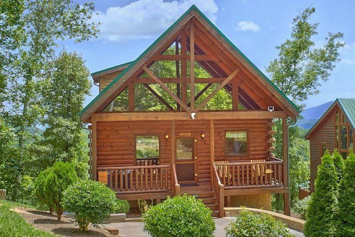 Spacious 4 Bedroom Cabin with Views - Simply the Smokies