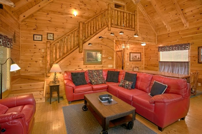 Luxury 4 Bedroom Cabin with Large Living Area - Simply the Smokies