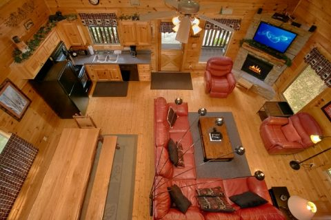 4 Bedroom Cabin with Spacious Family Room - Simply the Smokies