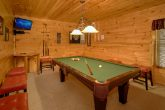 Family Size cabin with Pool Table & Game Room