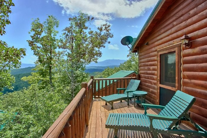 4 Bedroom Cabin with Mountain Views - Simply the Smokies