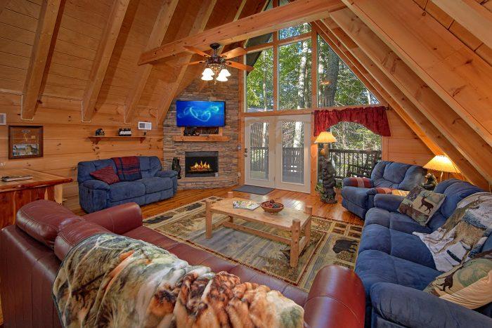 3 Bedroom Chalet in Gatlinburg Sleeps 8 - Skiing With The Bears