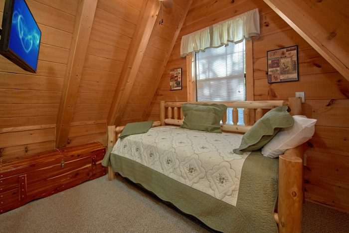 3 Bedroom Sleeps 8 Top Floor Queen/Full Bed - Skiing With The Bears