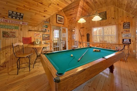 Cabin with Game Room and Pool Table and View - Sky High Hobby Cabin