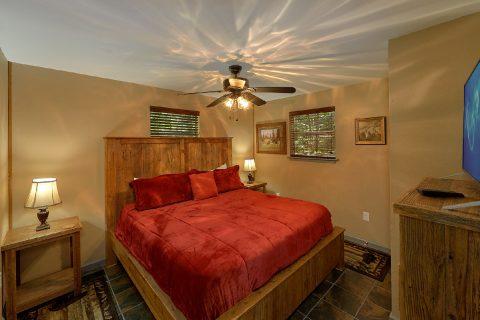 Main Floor Bedrooms 2 Bedroom Cabin Sleeps 6 - Sleepy Hollow