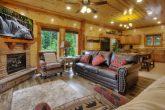 4 Bedroom 3.5 bath Cabin Sleeps 12 Smokey Ridge