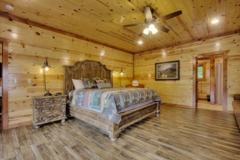 4 Bedroom Sleeps 12 with 4 King Beds - Smokey Ridge