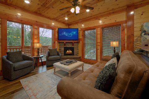 4 Bedroom Cabin with Indoor Pool - Smokey Ridge