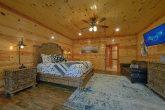 Luxury 4 Bedroom Cabin master Suite