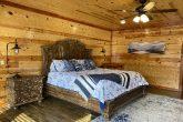 4 Bedroom Cabin with 3 King Bedrooms Sleeps 12