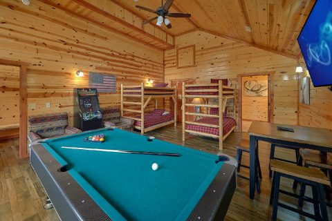 4 Bedroom Cabin with Pool Table and Game Room - Smokey Ridge