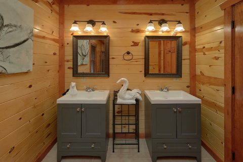 4 Bedroom 3.5 bath Cabin Sleeps 12 Smokey Ridge - Smokey Ridge