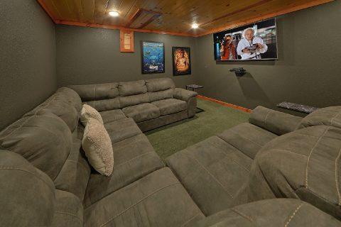Theater Room 4 Bedroom Cabin Sleeps 12 - Smokey Ridge