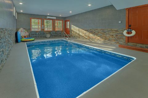 Indoor Pool 4 Bedroom Cabin Sleeps 12 - Smokey Ridge