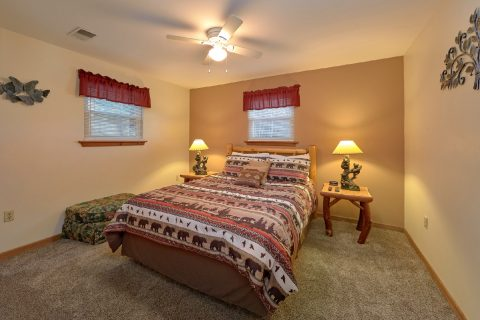3 bedroom cabin with private queen bedrooms - Smokeys Dream Views