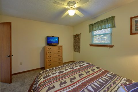 3 bedroom cabin with 2 queen bedrooms - Smokeys Dream Views