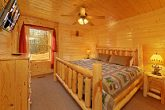 Cabin with Spacious Bedroom
