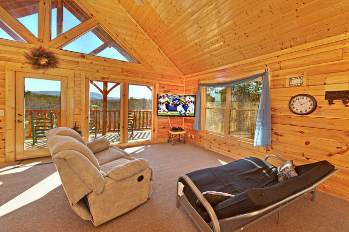 Cabin with Upstairs Den/Game Room - Smokies View
