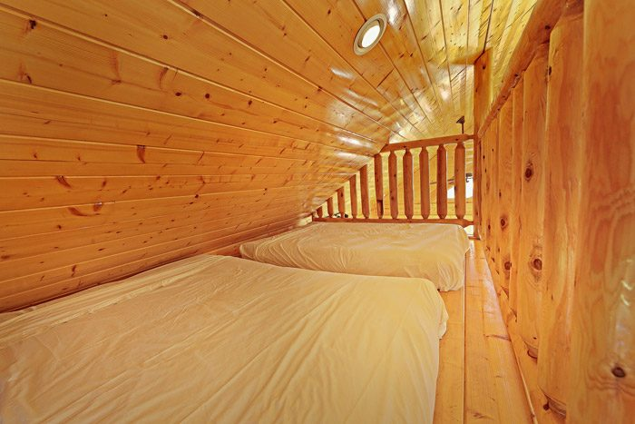 Loft with Twin Beds - Smokies View