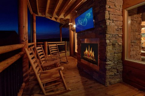 3 bedroom luxury cabin with outdoor fireplace - Smoky Bear Lodge