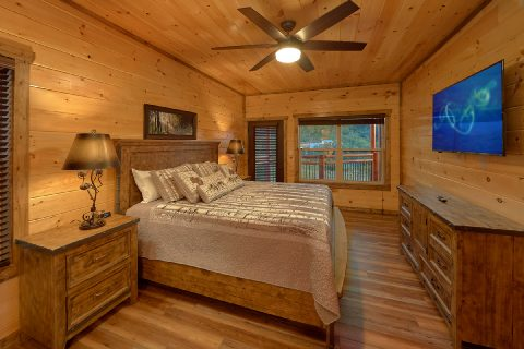 Premium 3 bedroom cabin with Master King Bedroom - Smoky Bear Lodge