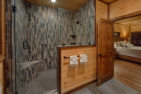 Luxurious master bathroom in 3 bedroom cabin - Smoky Bear Lodge