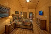 Luxury cabin with 3 King Bedrooms and 4 baths