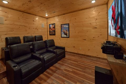 Luxurious 3 bedroom cabin with hot tub and views - Smoky Bear Lodge