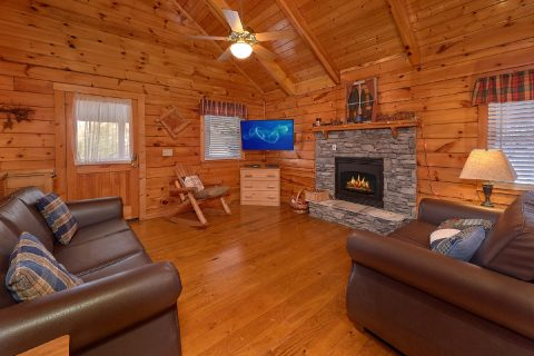 Gatlinburg 2 Bedroom Cabin Sleeps 6 - Smoky Hilltop