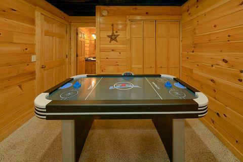 2 Bedroom Cabin in Gatlinburg Sleeps 6 - Smoky Hilltop