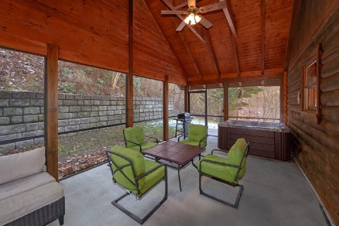 2 Bedroom Cabin with Screened in Porch and WiFi - Smoky Hilltop