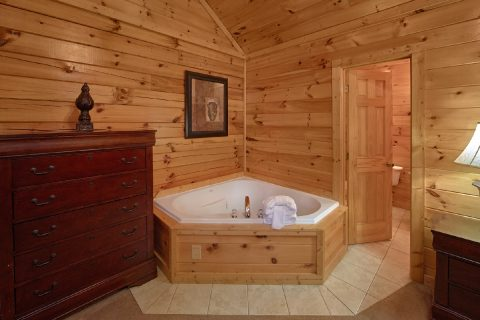 7 Bedroom Cabin with 2 Jacuzzi Tubs in bedrooms - Smoky Mountain Lodge