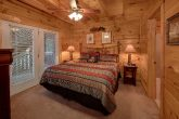 Spacious 7 Bedroom Cabin with 6 King beds